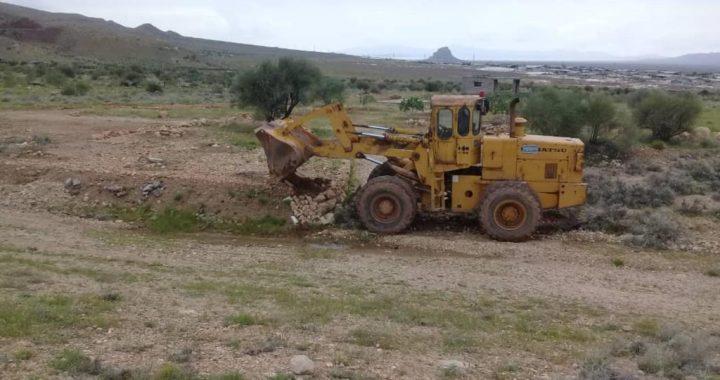 تخریب ساخت وسازهای غیرمجاز در اراضی کشاورزی آباده